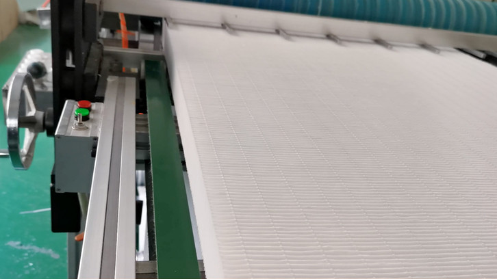 Efficient production line without clapboard folding and gluing